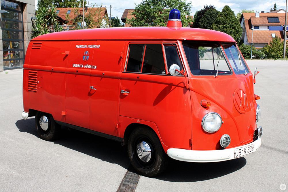 Oldtimer VW Bulli als Tragkraftspritzenfahrzeug